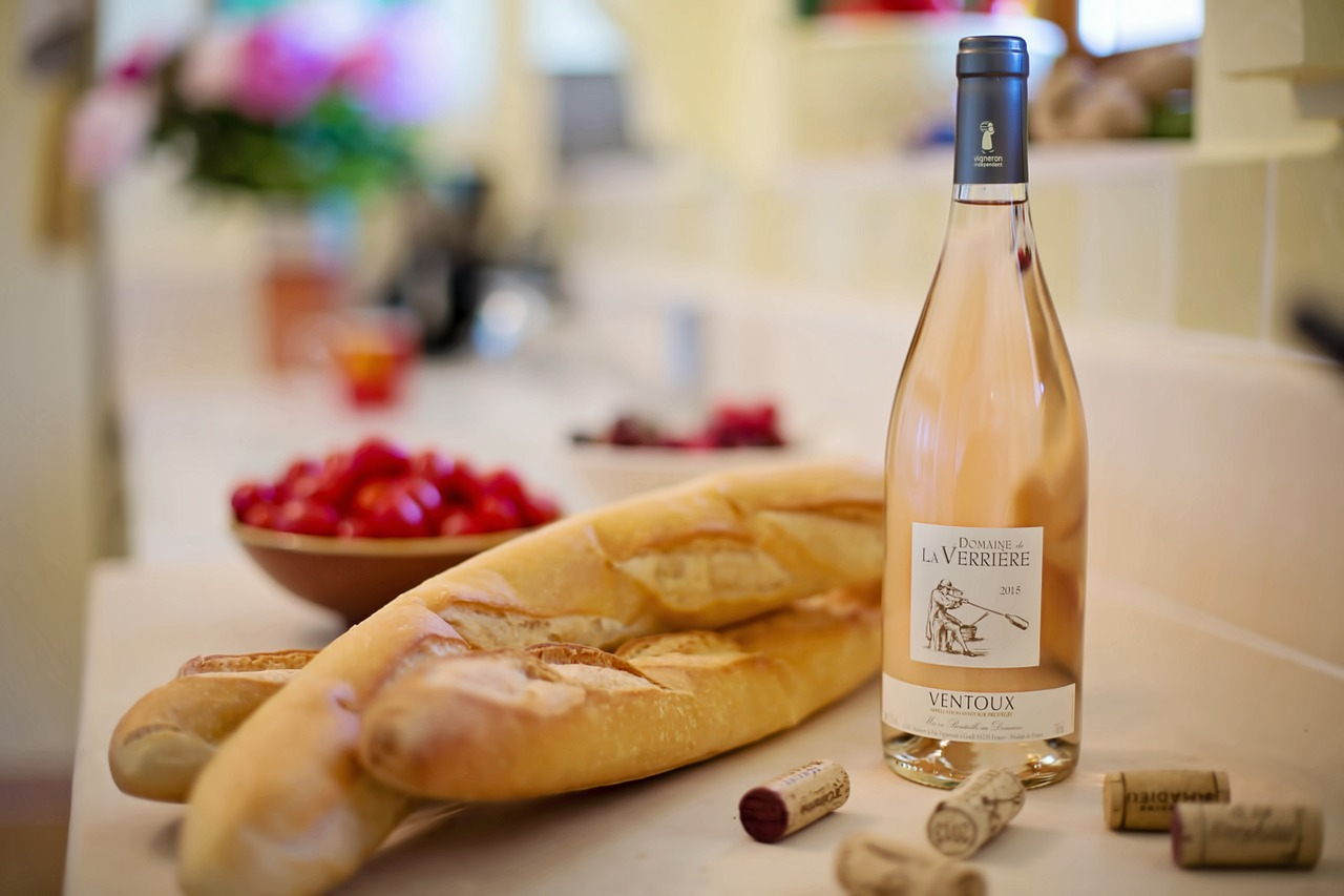 pink-wine-1433496_1280